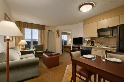 Homewood Suites Austin-South - Suite Living and Kitchen Area