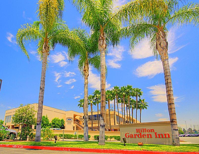 Hilton Garden Inn Montebello Außenansicht