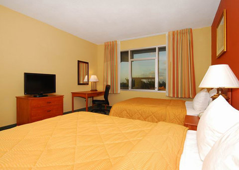 Comfort Inn and Suites Miami Airport - guest room