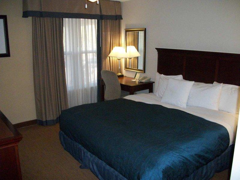 Homewood Suites Memphis-East Sviitti