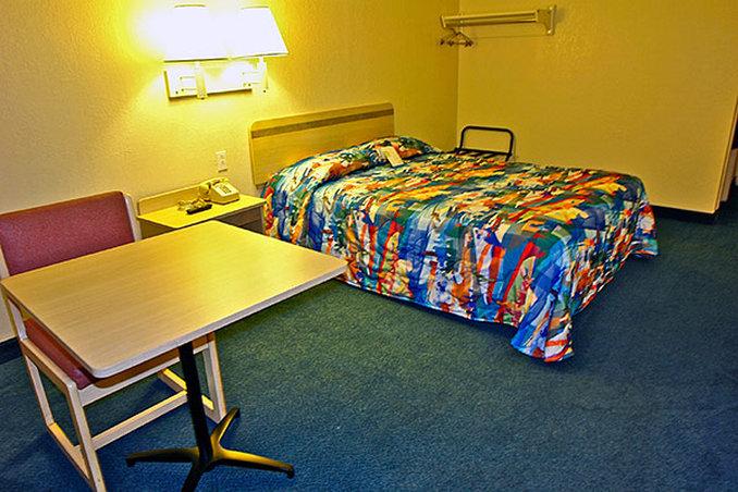 Motel 6 - Branford, CT