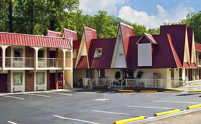 Red Roof Inn Gatlinburg - Gatlinburg, TN