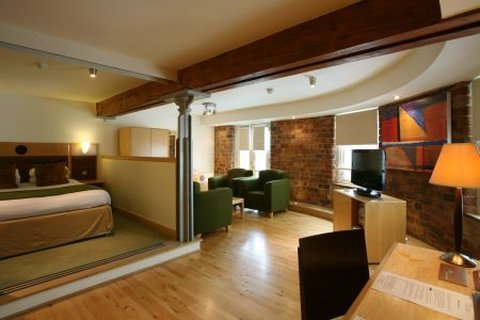 Hallmark Hotel Glasgow - Studio Apartment