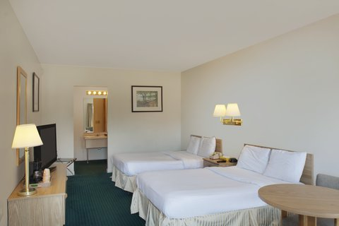 Red Carpet Inn & Suites Cooperstown - Double Bed Room