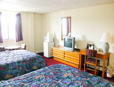 Days Inn Emporia - 2 Queen Bed Room