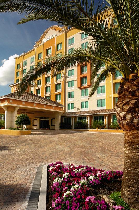 Radisson Hotel Orlando-Lake Buena Vista Außenansicht