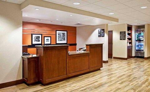 Hampton Inn - Fort Smith - Front Desk