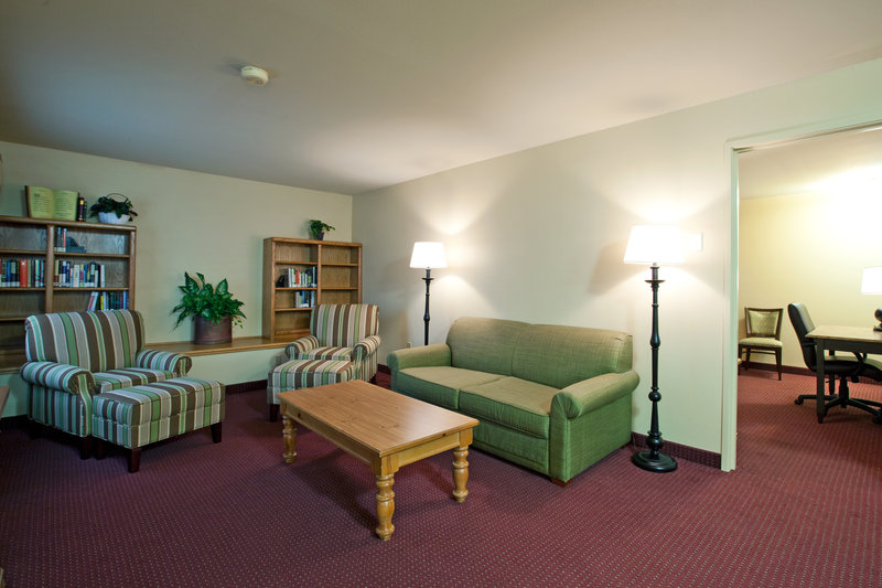Country Inn & Suites Madison - Madison, WI