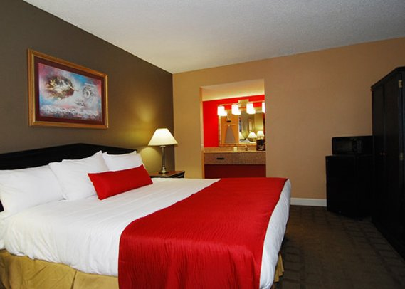 Econo Lodge Inn & Suites - Hot Springs National Park, AR
