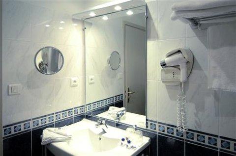 Hotel du Palais des Papes - Bathroom