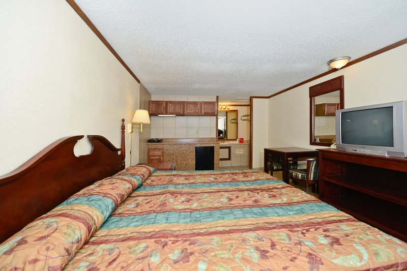 Econo Lodge - Warren, MI