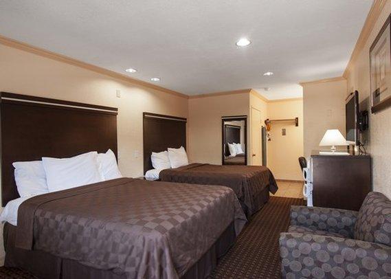 Howard Johnson Express Inn National City/San Diego South - National City, CA