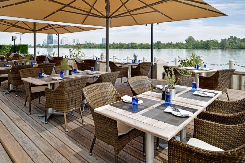 Hilton Vienna Danube Waterfront Restauration