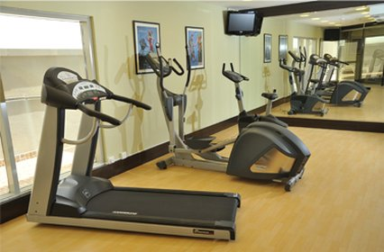 V Continents Exe Suites - Gym
