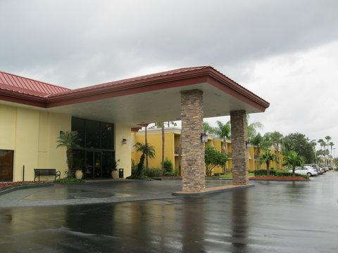 BEST WESTERN PLUS International Speedway Hotel - The BEST WESTERN PLUS International Speedway Hotel