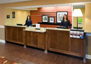 Lobby - Hampton Inn Northeast Columbia