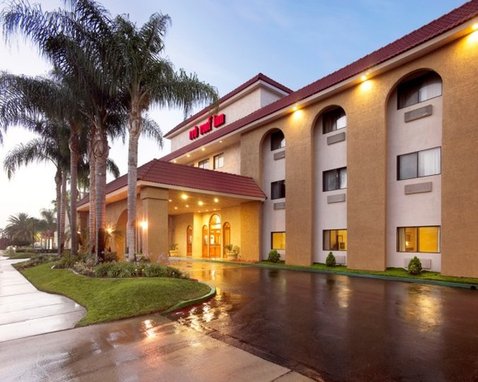 Red Roof Inn - Ontario, CA