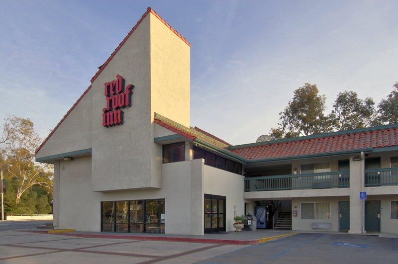 Red Roof Inn - Santa Ana, CA