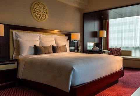 Renaissance Beijing Capital Hotel - Club Suite   King Bedroom