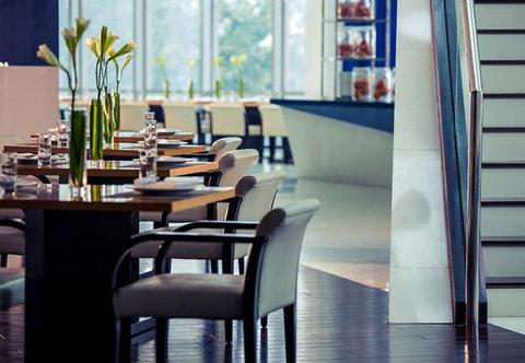 Renaissance Beijing Capital Hotel - BLD Caf    Dining Area