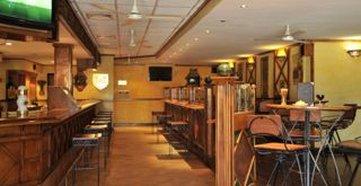 Cresta Oasis Hotel - Bar