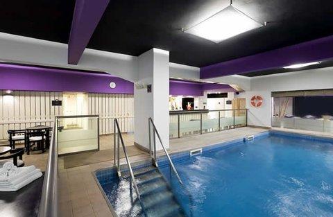 Republica Wellness & Spa Hotel - Pool Area