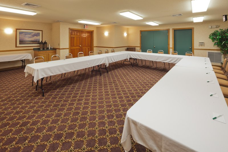 Country Inn & Suites By Carlson, Menomonie, Wi