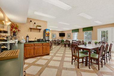 Baymont Inn & Suites Anderson Clemson - Breakfast Area
