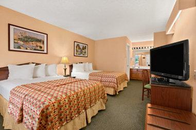 Baymont Inn & Suites Anderson Clemson - Standard Double Room