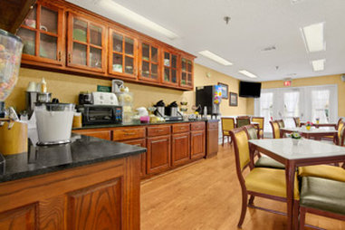 Baymont Inn & Suites Waycross - Breakfast Area