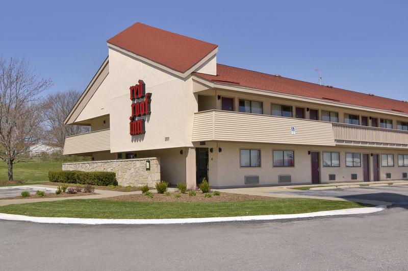 Red Roof Inn - Columbia, MO