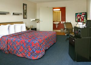 Room - Red Roof Inn & Suites Myrtle Beach