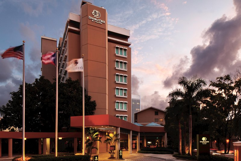 Doubletree by Hilton San Juan Vista exterior