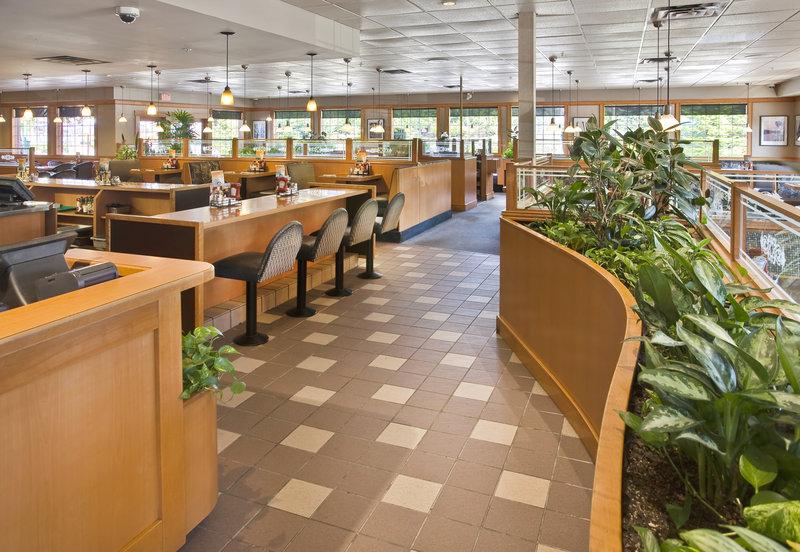 Sandman Hotel Langley 餐饮设施
