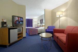 Suite   Red Roof Inn U0026 Suites Elyria