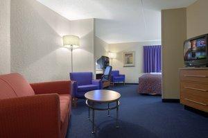 ... Suite   Red Roof Inn U0026 Suites Elyria