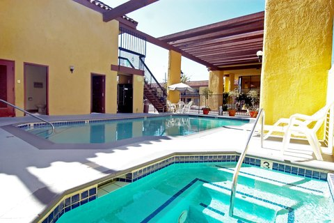 Best Western Sportstown - Outdoor Pool