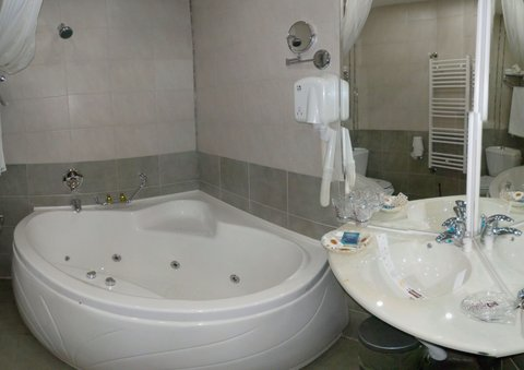 Relax Comfort Suites - Superior Double with Jacuzzi