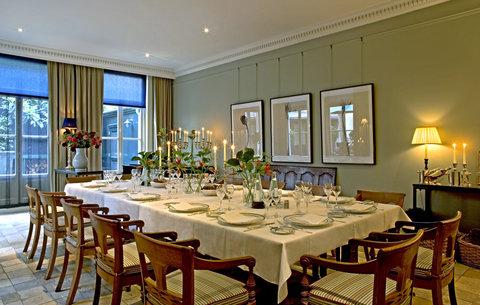 Hotel 717 - Strawinsky Dining Room