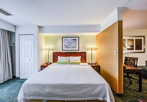 SpringHill Suites Dayton South/Miamisburg - King Suite Sleeping Area