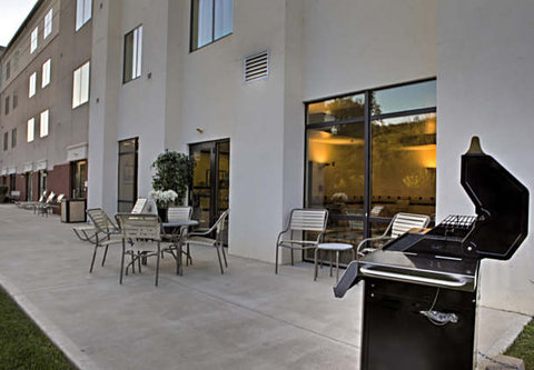 SpringHill Suites Dayton South/Miamisburg - Outdoor Patio   Grill