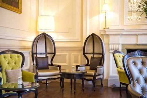 ذا غروفنور - The Grosvenor Lounge