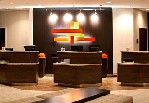 Courtyard By Marriott Austin Downtown/Convention Center Hotel - Front Desk