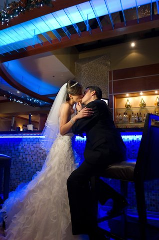 Embassy Suites Fort Lauderdale - 17th Street - Romance In The Espot Lounge