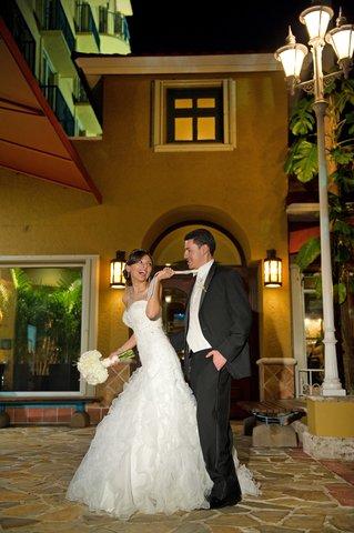 Embassy Suites Fort Lauderdale - 17th Street - The E Spot Restaurant   Entrance