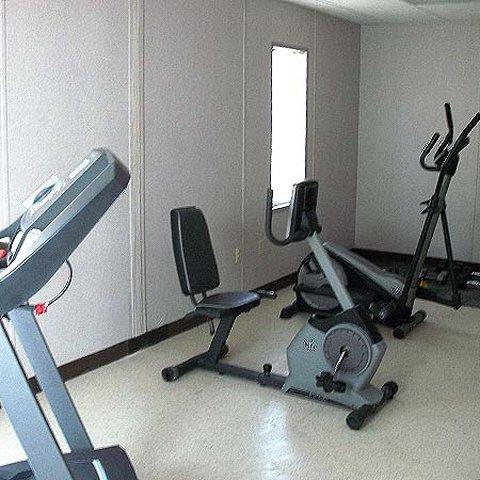 South Texas Lodge Carrizo Spri - South Texas Lodge Carrizo Springs Gym