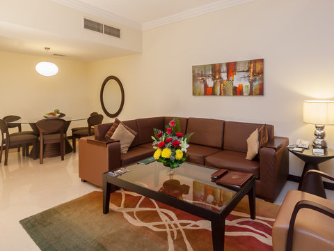 Flora Park Deluxe Hotel Apartments - Living Room