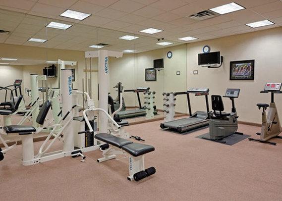 Crowne Plaza Hotel Secaucus-Meadowlands Fitneszklub