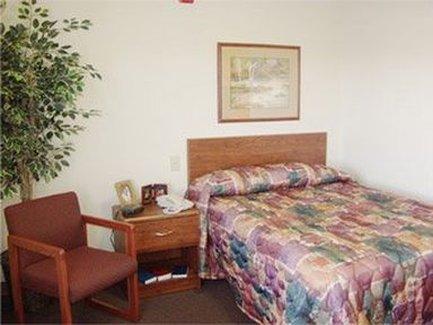 Value Place Evansville - Guest Room