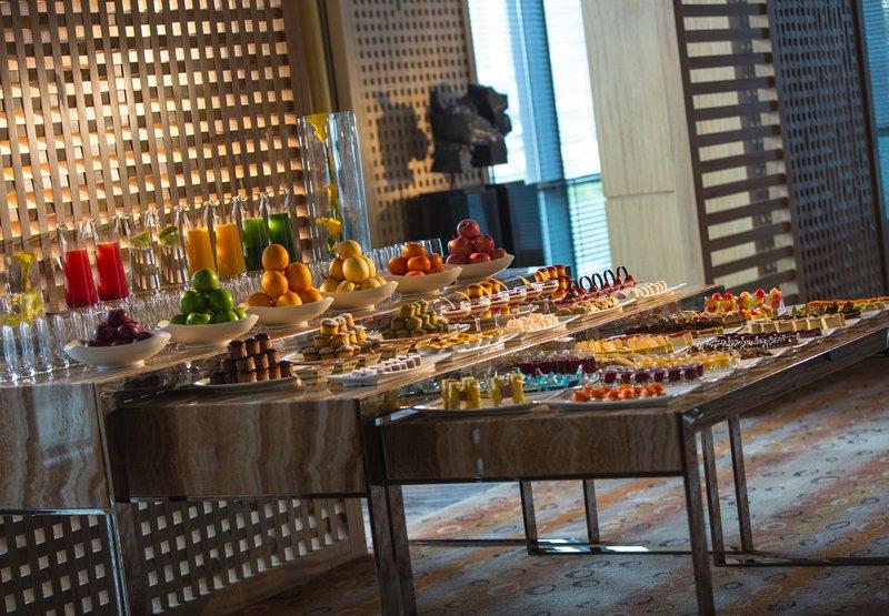 Renaissance Yangtze Shanghai Hotel Gastronomie